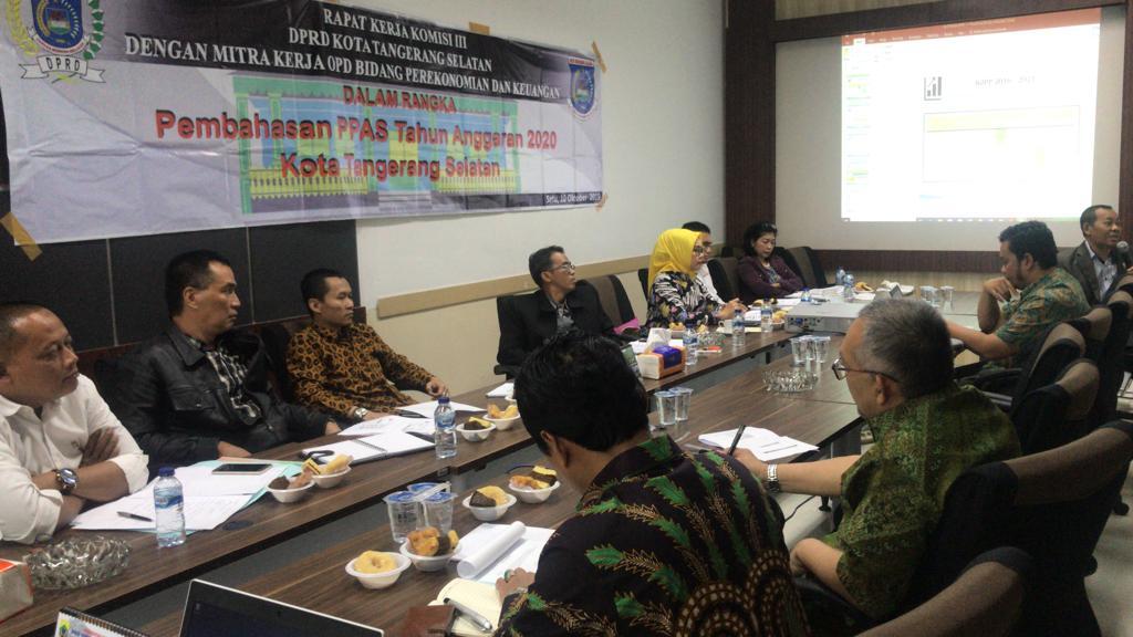 Rapat Kerja Komisi dengan Mitra Kerja Organisasi Perangkat Daerah