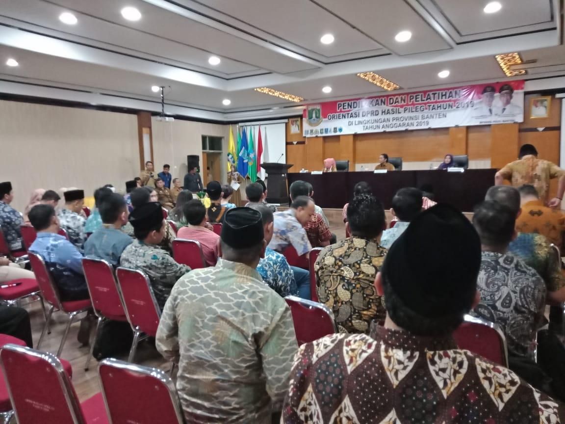 Penyampaian Materi Diklat Orientasi DPRD Hasil Pileg Tahun 2019