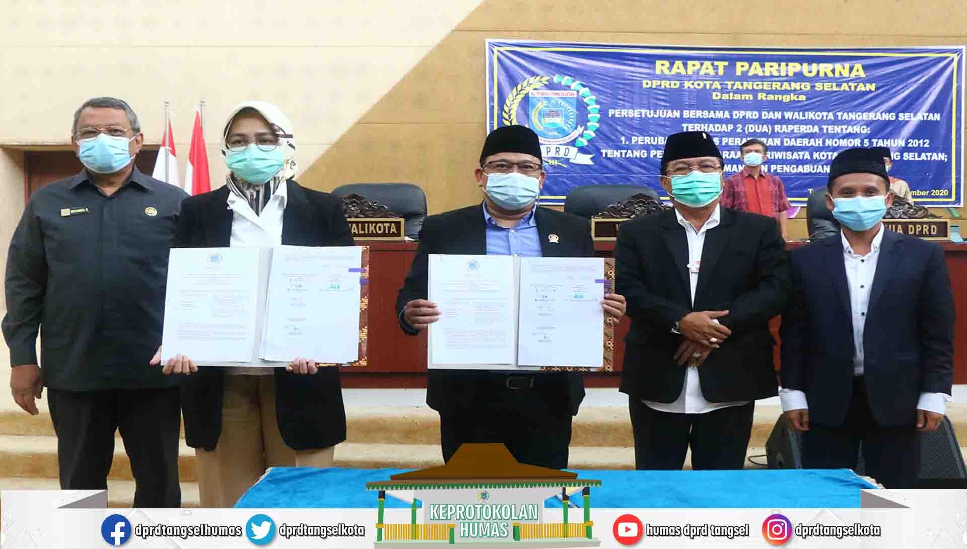 Paripurna Persetujuan Bersama DPRD dan Walikota terhadap 2 Raperda