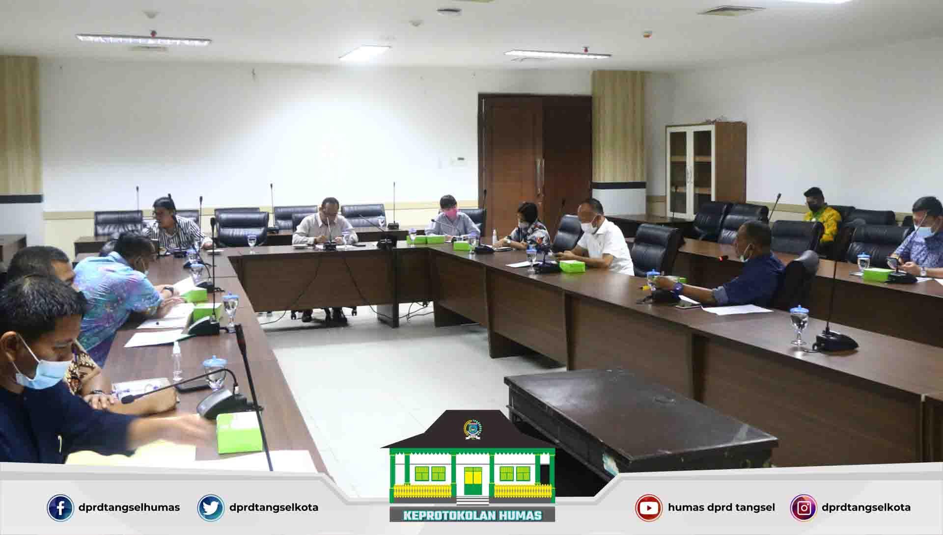 Rapat pimpinan DPRD dengan Bapemperda dan Badan Kehormatan