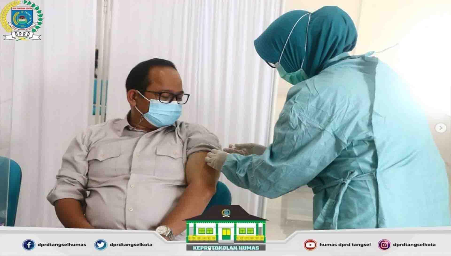 Pimpinan dan Anggota DPRD melakukan Vaksinasi Covid-19 Tahap II