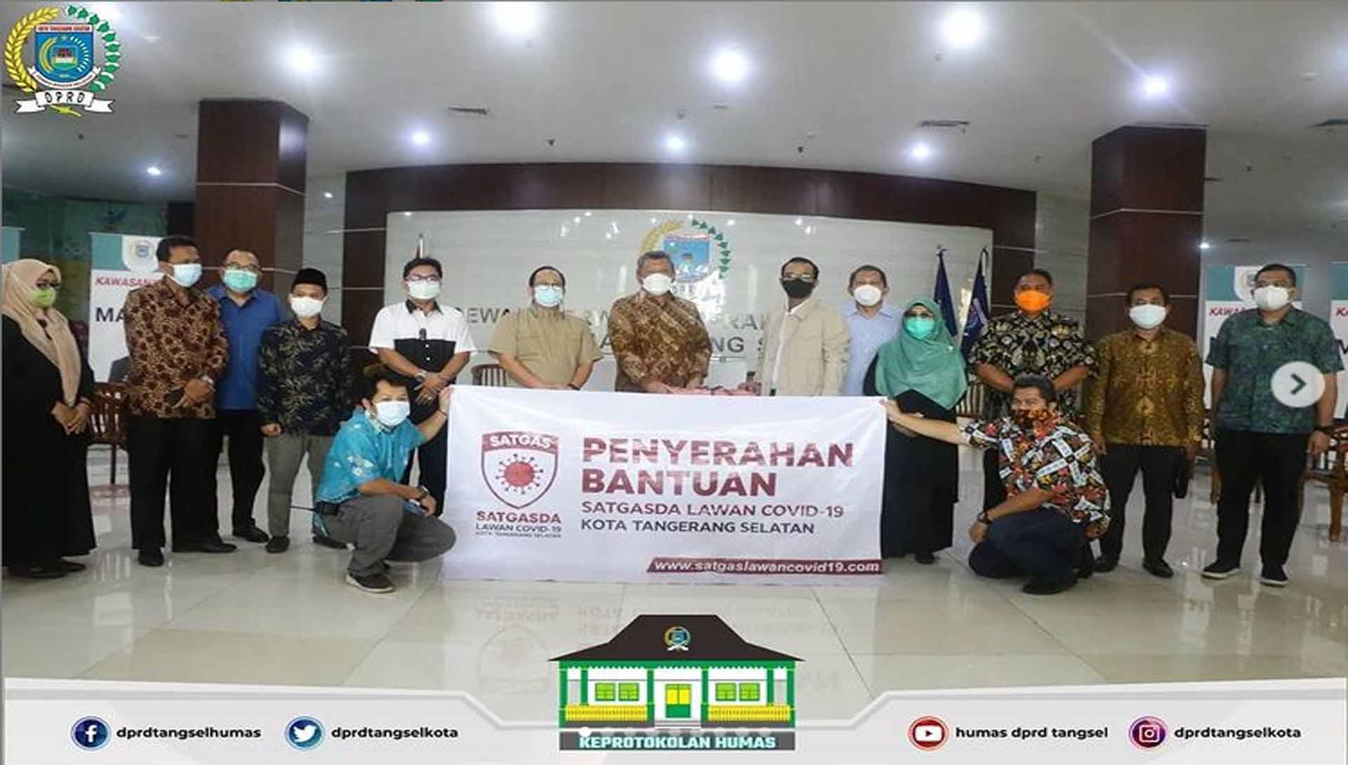 Pimpinan DPRD hadir di acara penyerahan bantuan dari SATGASDA Tangsel