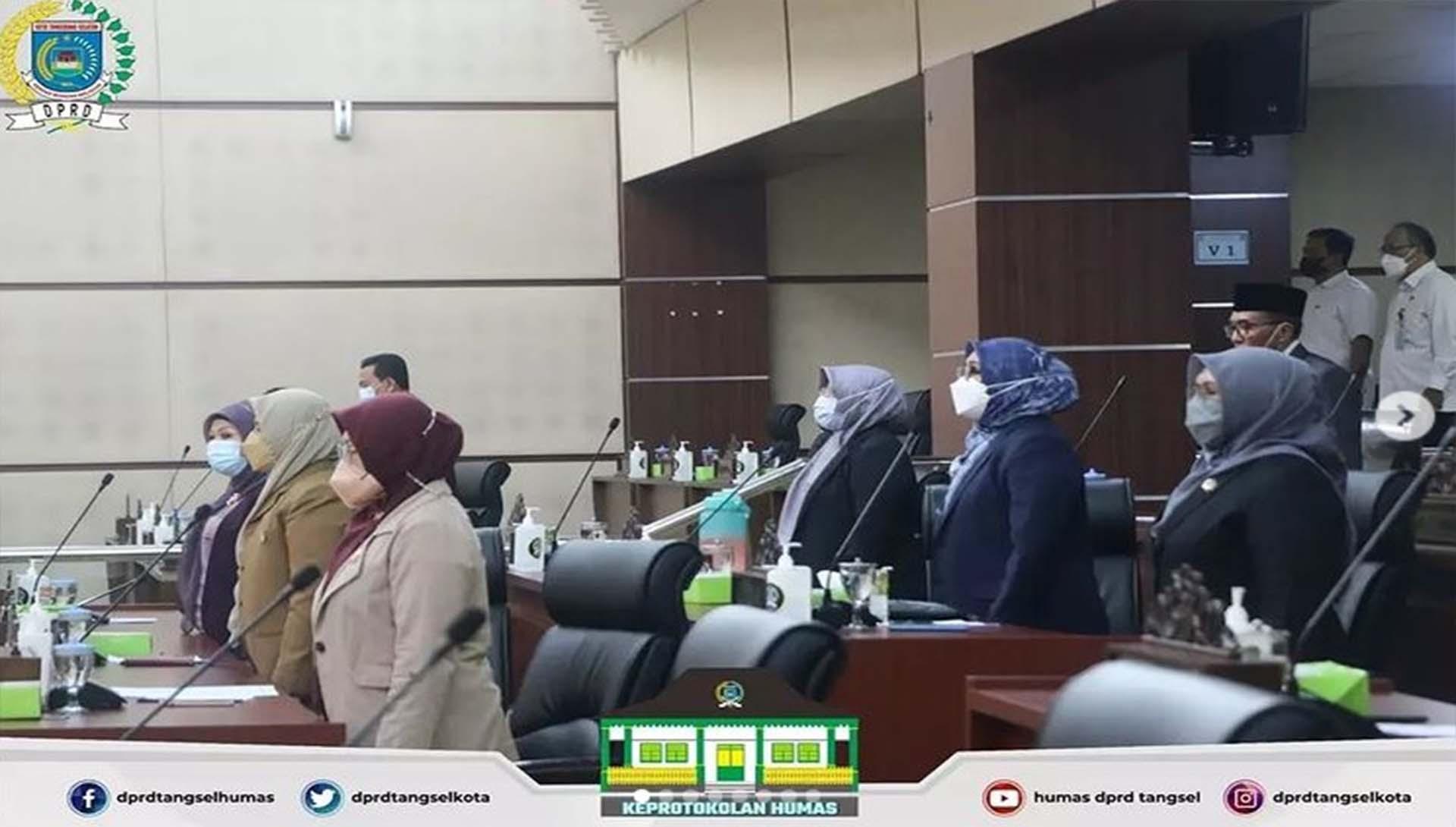 Paripurna Jawaban DPRD dan Walikota mengenai 3 Raperda