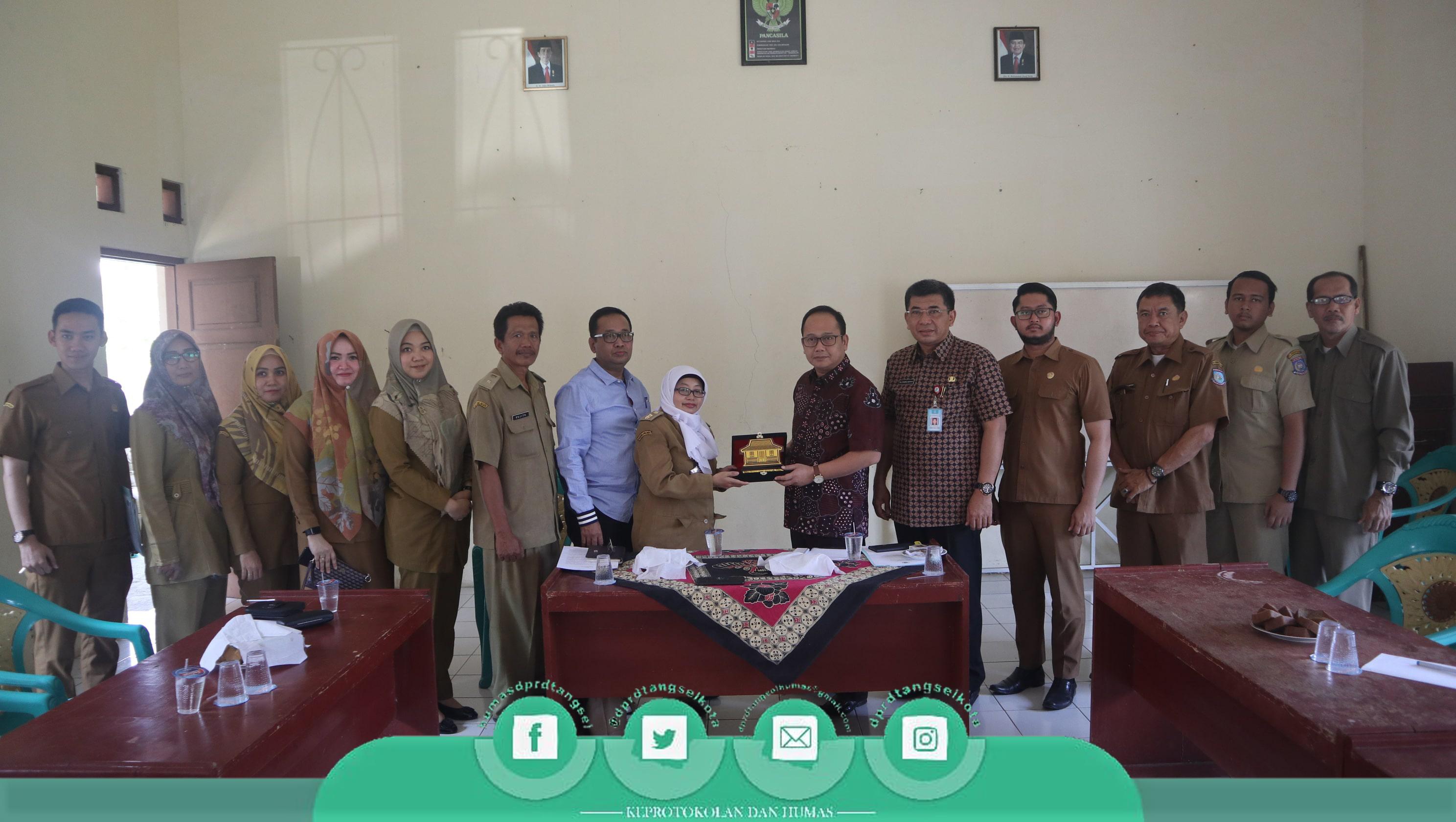 Kunjungan Kerja Ketua DPRD ke UPTD Ikan Air Tawar Cianjur