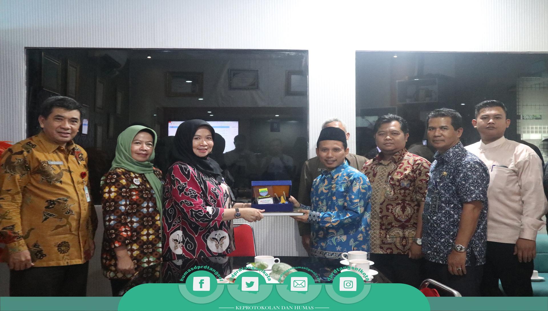Wakil DPRD Konsultasi ke DISDUKCAPIL Kota Bandung