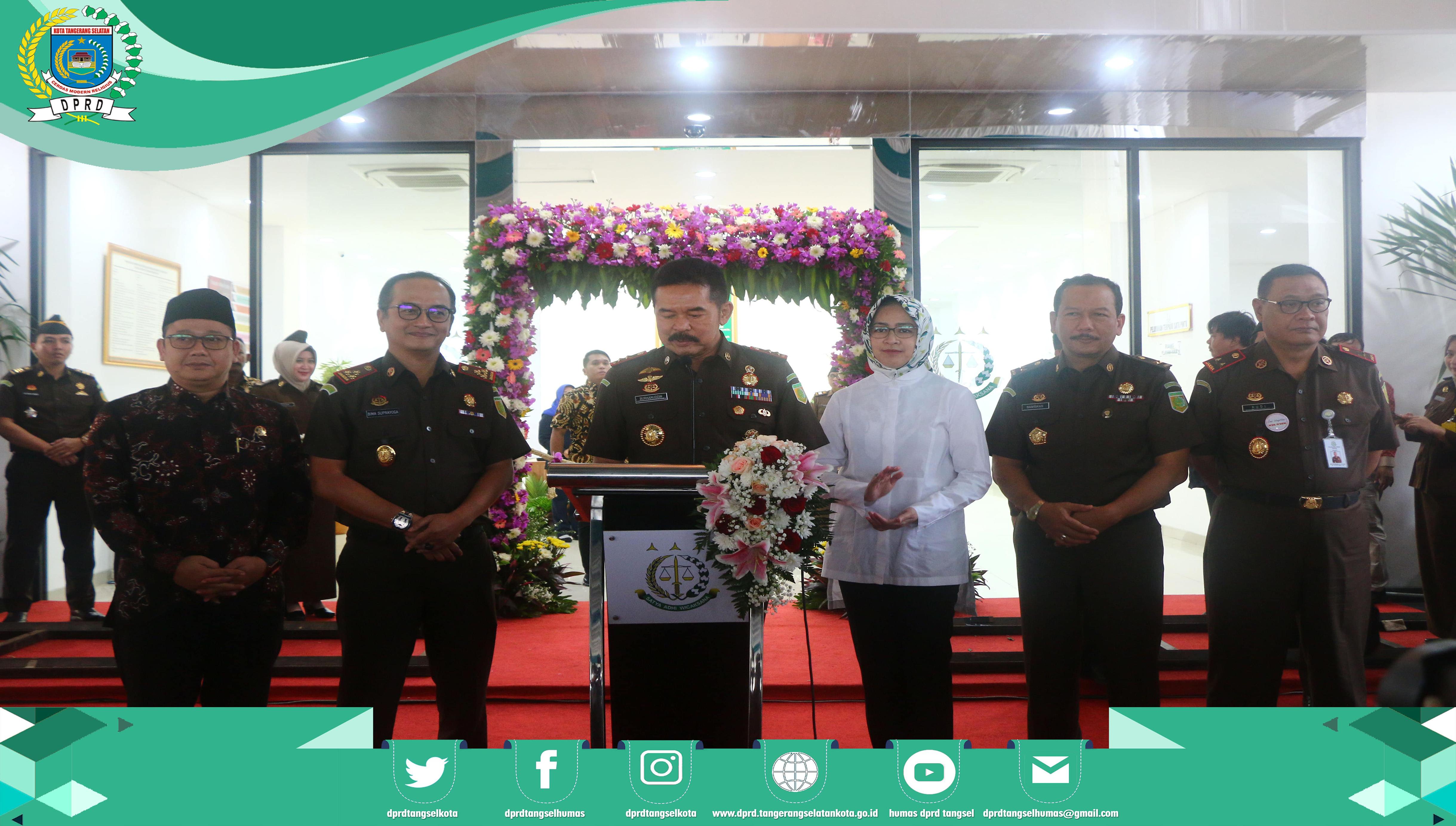 Pimpinan DPRD menghadiri Peresmian Gedung Kejari Tangsel